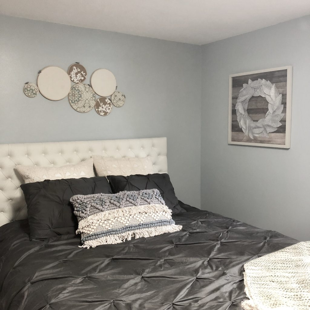 Embroidery Hoop Fabric Craft in Guest Bedroom